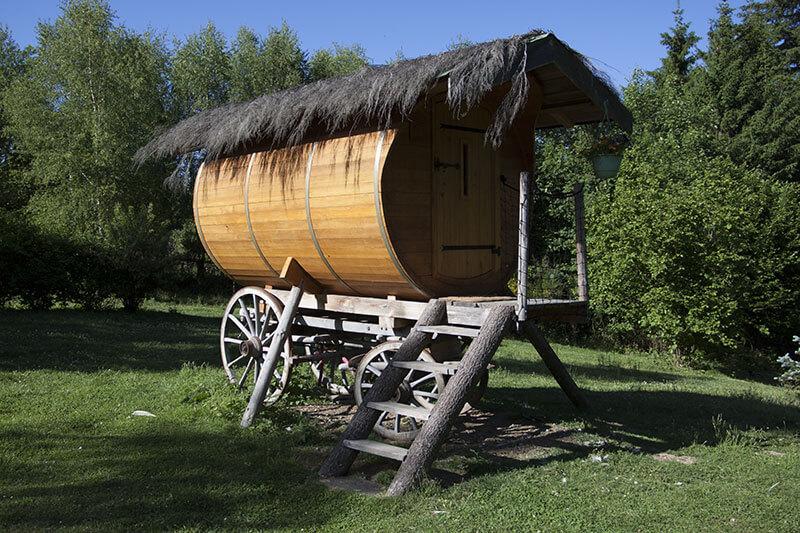 sauna infrarouge cabanes des combrailles des cabanes dans les arbres. Black Bedroom Furniture Sets. Home Design Ideas